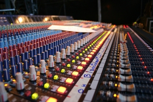 Mixing desk_small